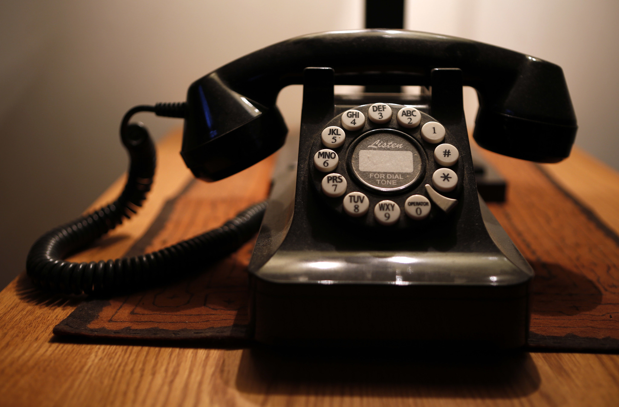 AT&T ready to hang up on traditional landline phone service in Illinois -  Chicago Tribune