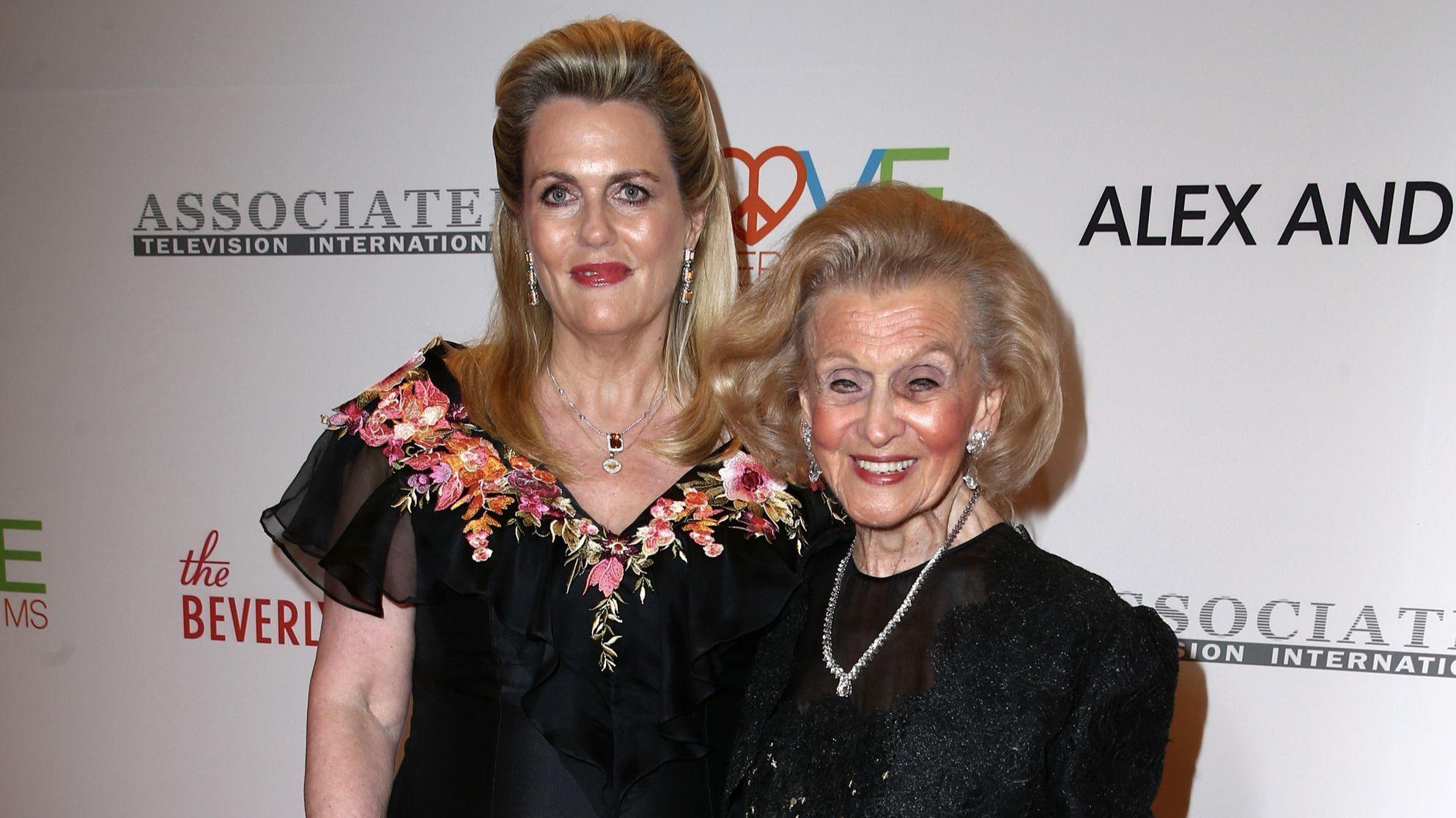Nancy Davis, left, and Barbara Davis.