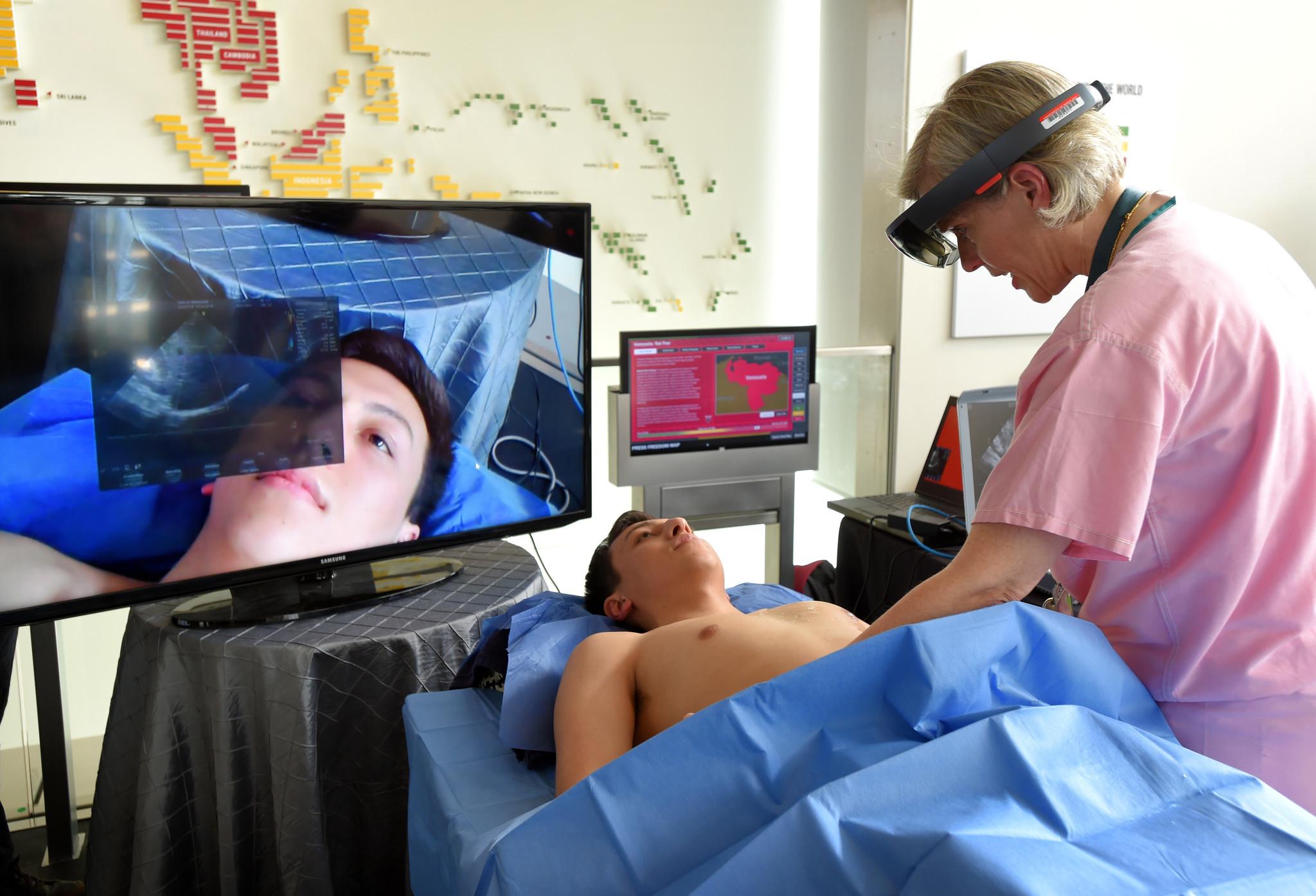 ff0b76fe5715 Bringing virtual reality to medical treatment - Baltimore Sun