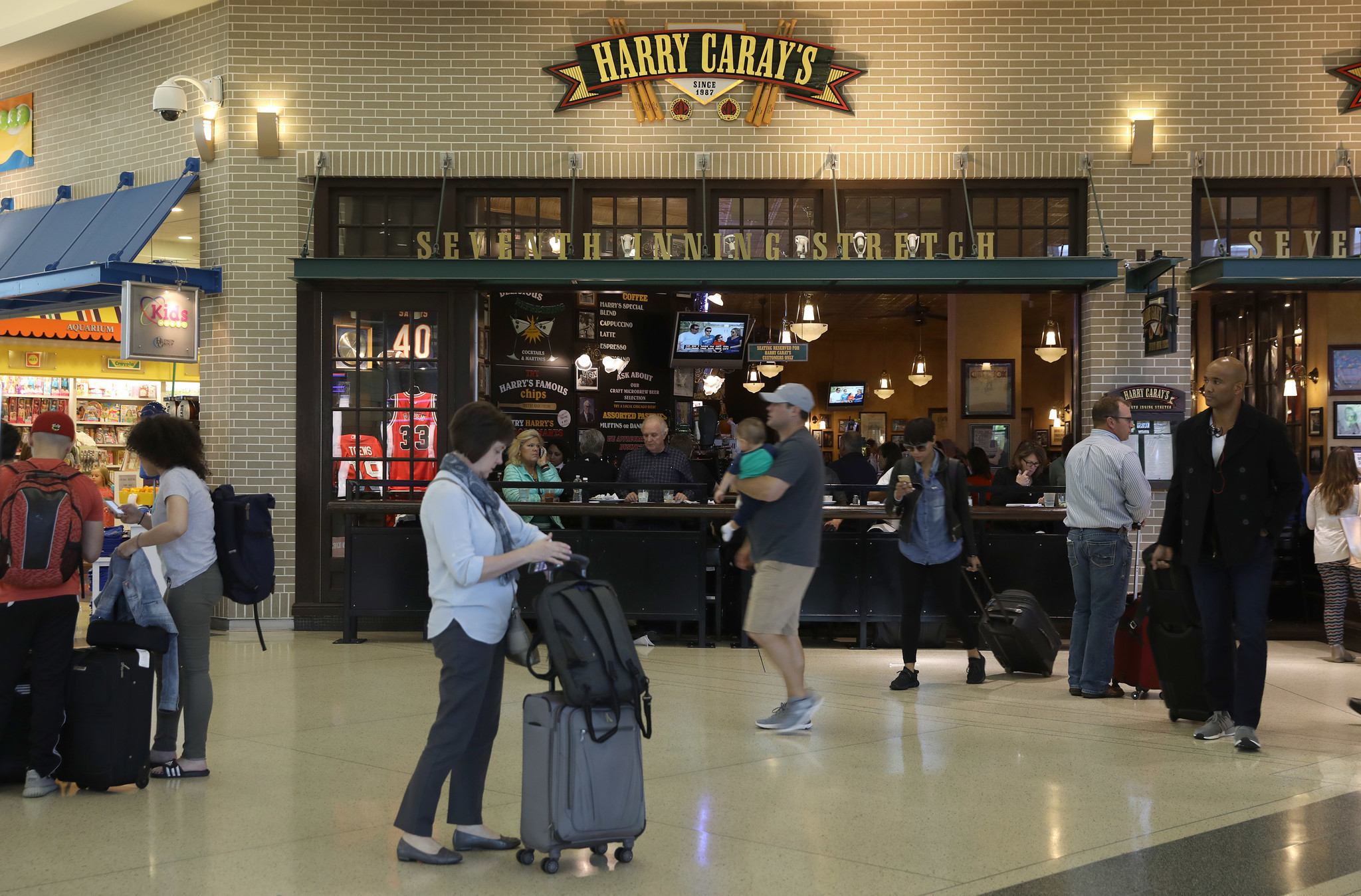 Midway Food Court Changes Goodbye Potbelly And Harry Carays