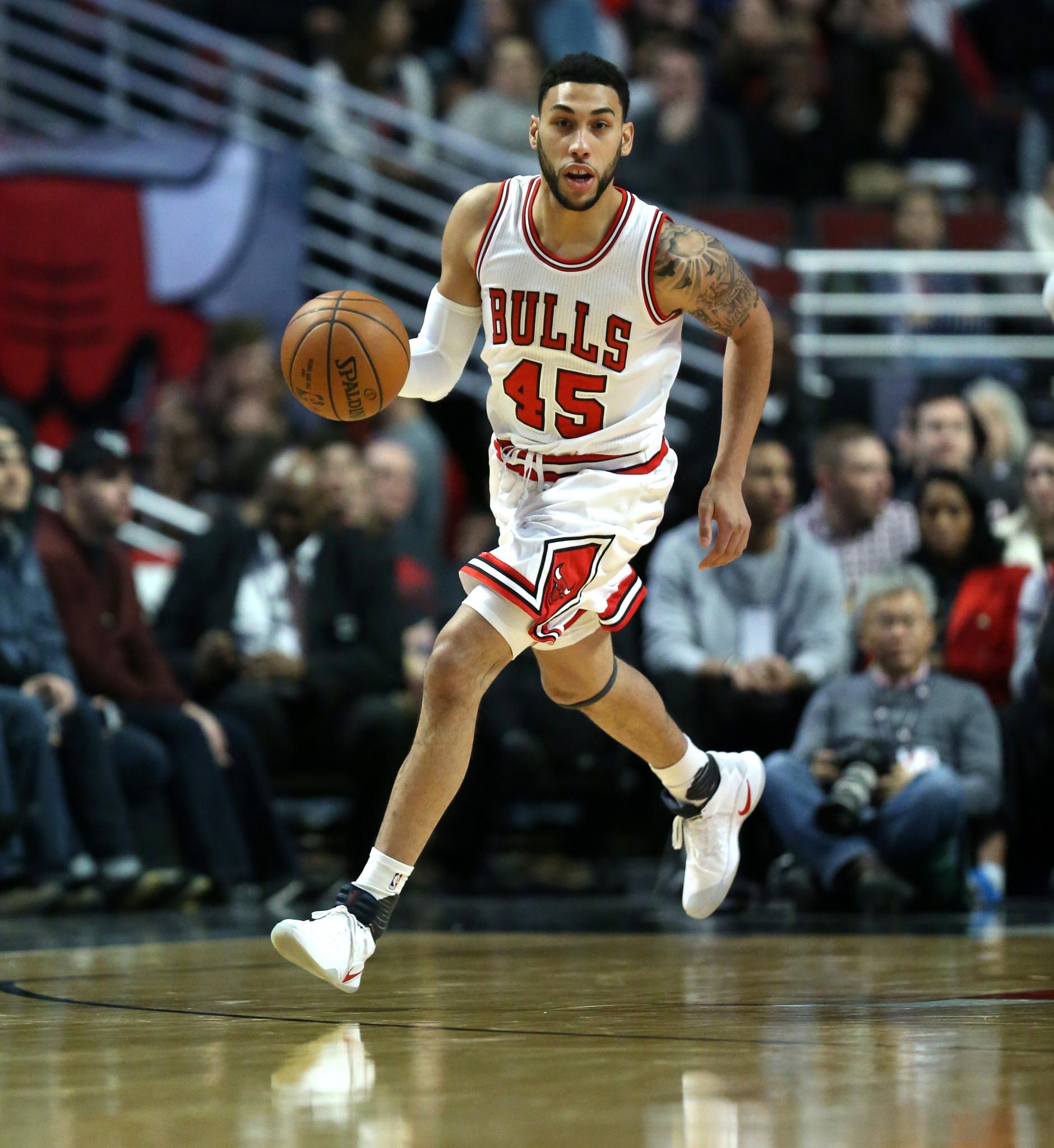 Ct Pick 3 >> Bulls' Denzel Valentine has left ankle scoped - Chicago ...