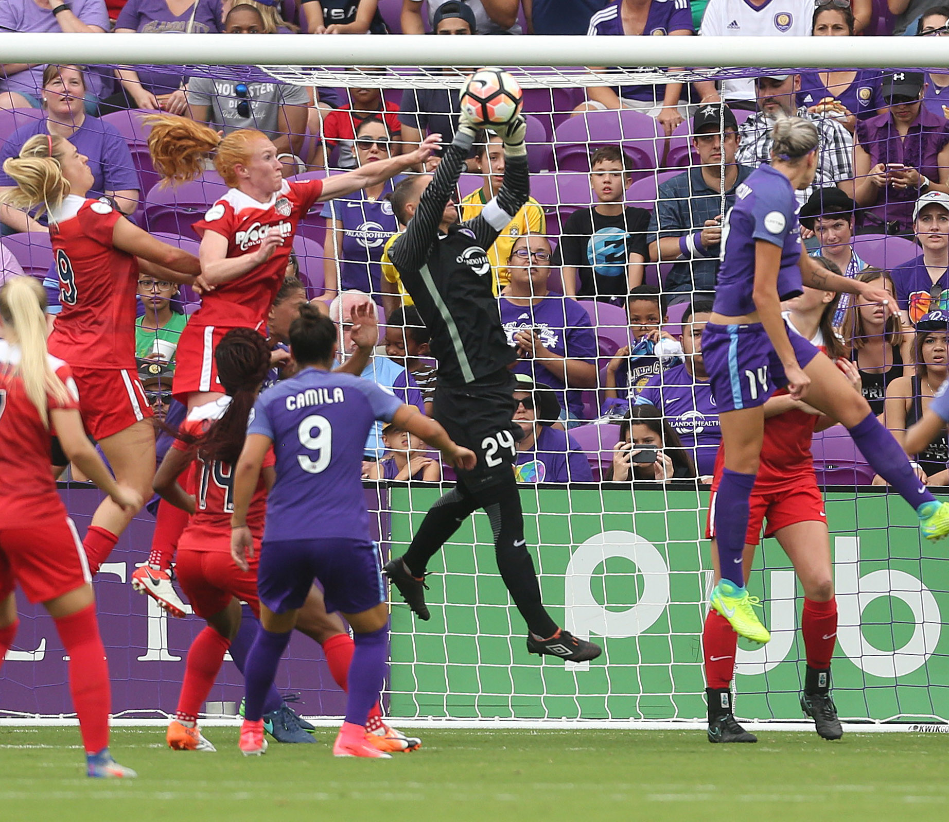 3a7e67ece Pride goalkeeper Ashlyn Harris out eight weeks due to quad injury - Chicago  Tribune