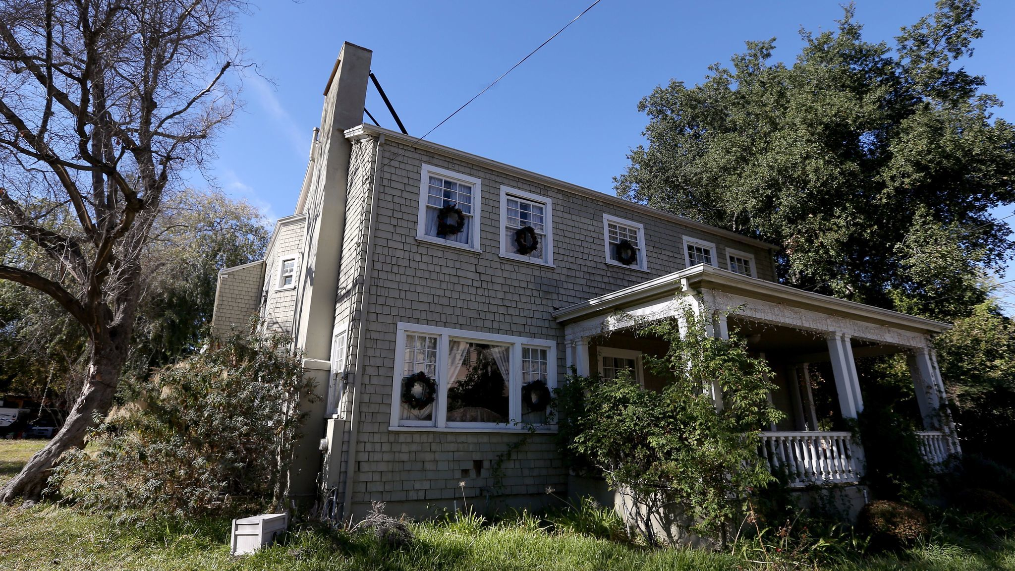 One of the old homes along a stretch of Pasadena Avenue once designated for an above-ground segment of the 710 Freeway.