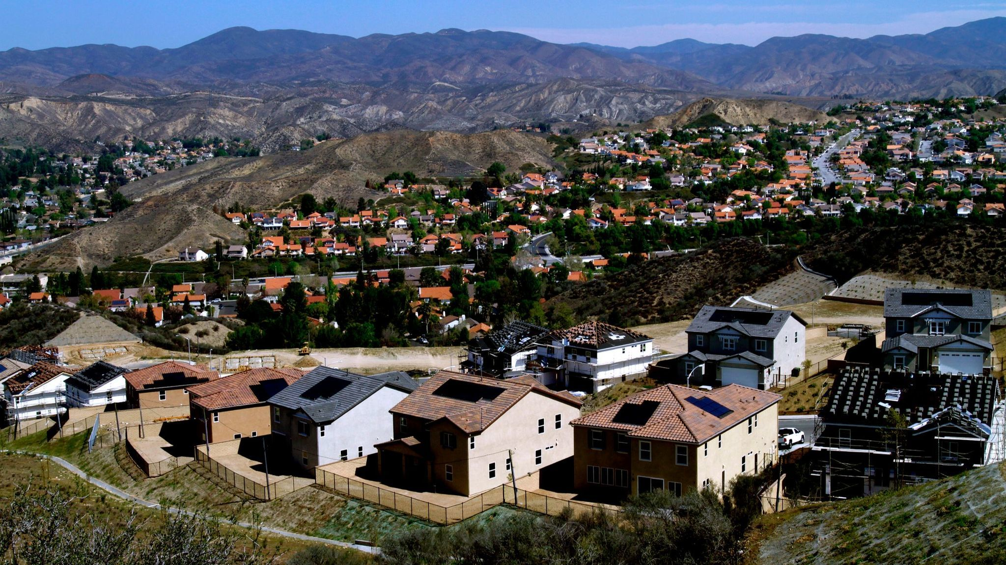 Homes under construction in Santa Clarita.
