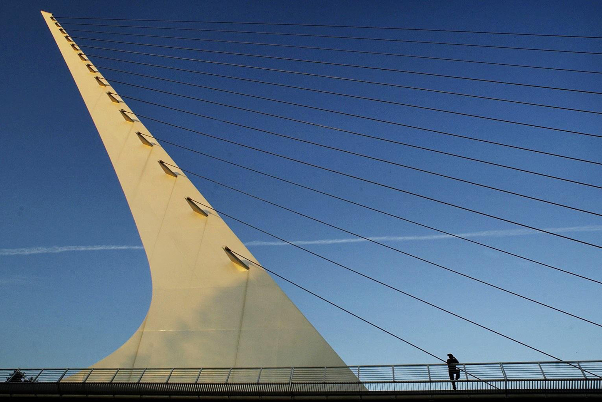 Walk or bike the Sundial Bridge after lunch.