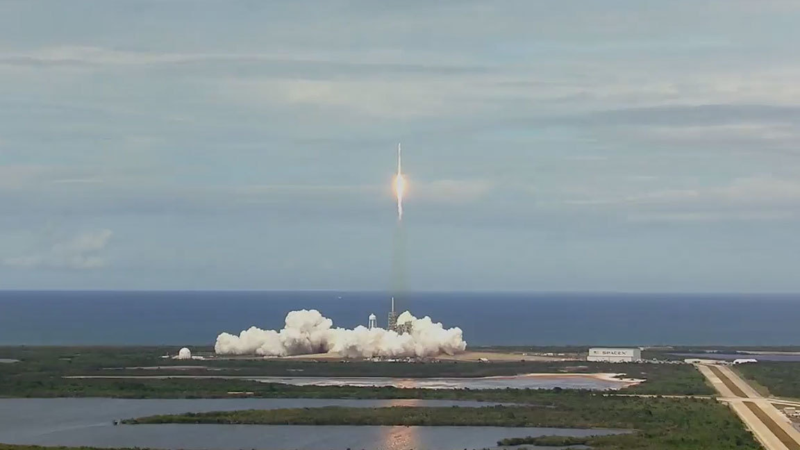 SpaceX Falcon 9 launch to ISS is 100th launch from Kennedy Space