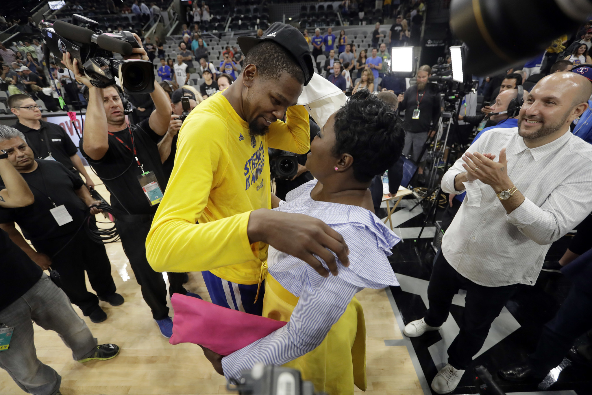 86fbf49da487  Who are you to come at my boy like that   Kevin Durant s mother has words  for Stephen A. Smith - Chicago Tribune