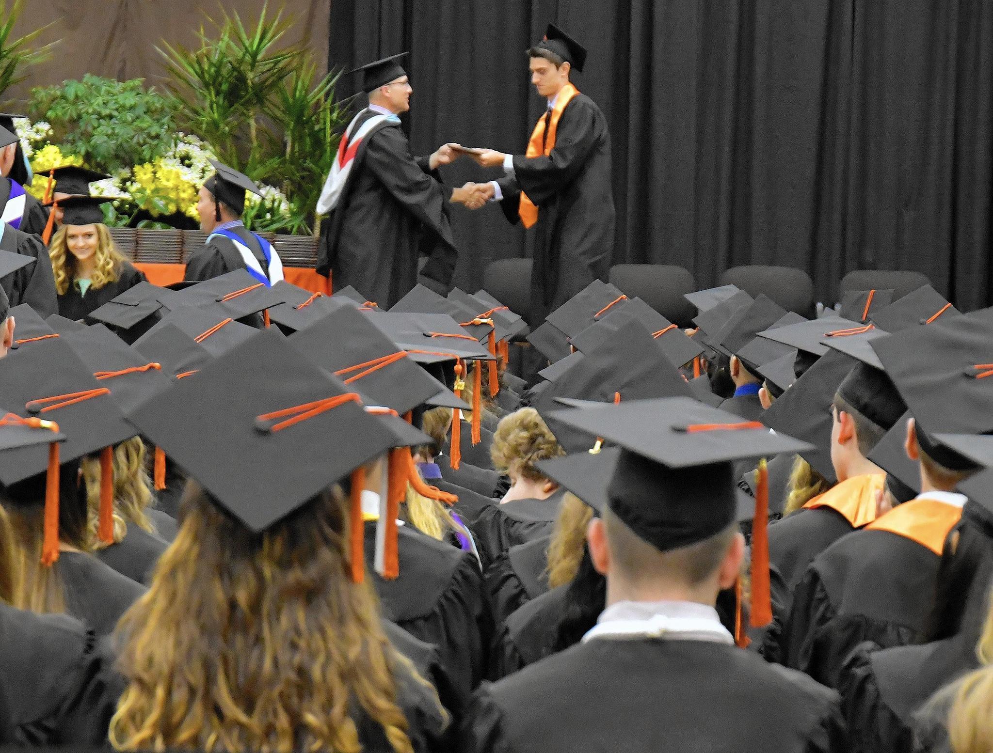 Graduation 2017 German International School Chicago: Hersey Class Of 2017 Reflect 'big Hearts,' Dedication To