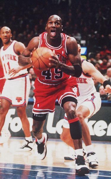 9ed02e5df98b 1995-96 Bulls vs. this season s Warriors  Comes down to defense - Chicago  Tribune