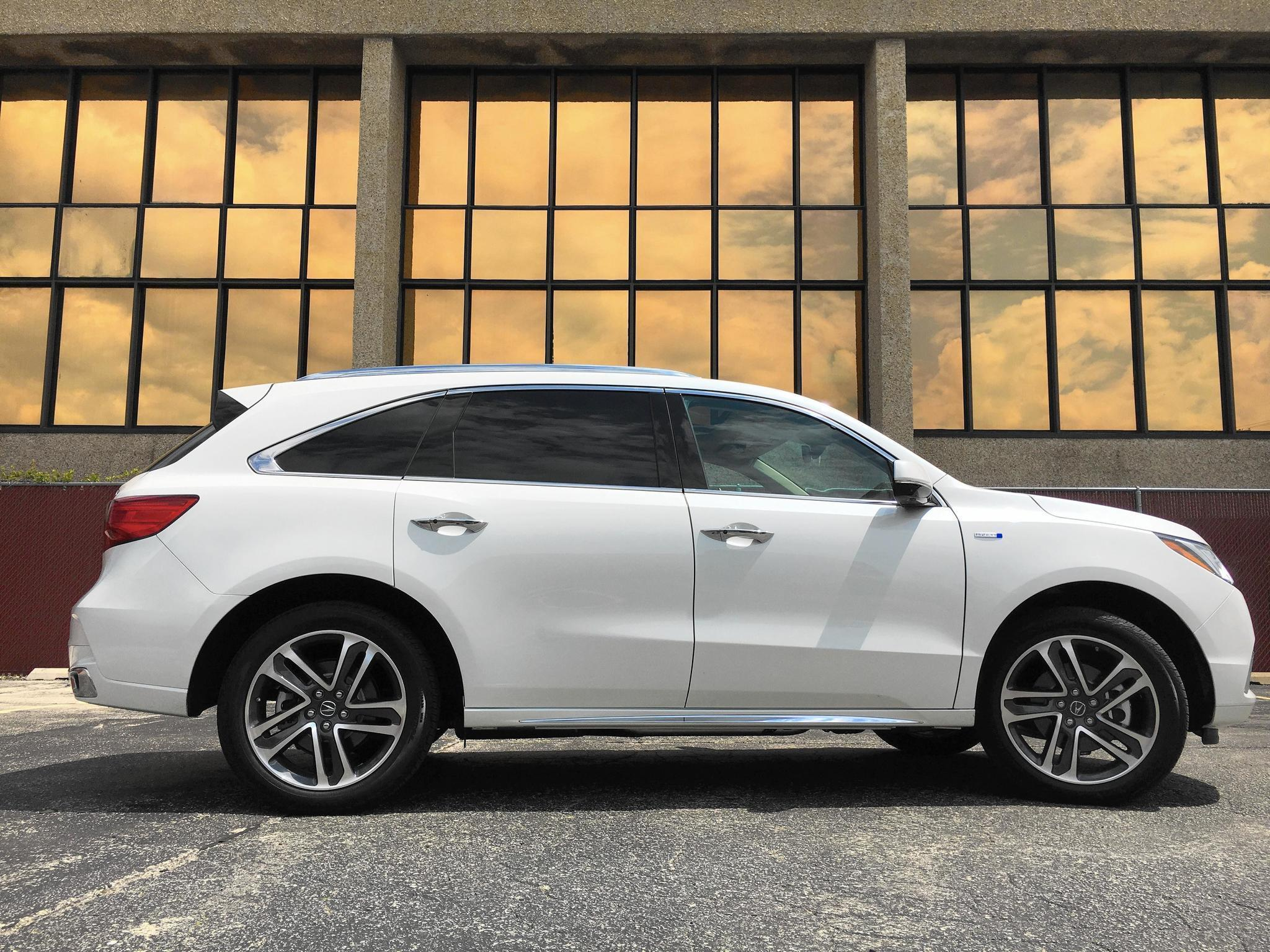 Review 2017 Acura Mdx Sport Hybrid Is A Smooth Three Row Marvel Chicago Tribune