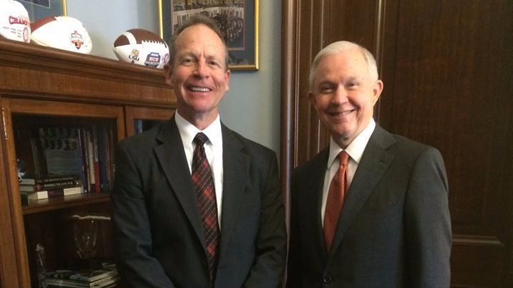 Steve Cook, an assistant U.S. attorney in Tennessee and former president of the Assn. of Assistant U.S. Attorneys, with then-Sen. Jeff Sessions in 2015.