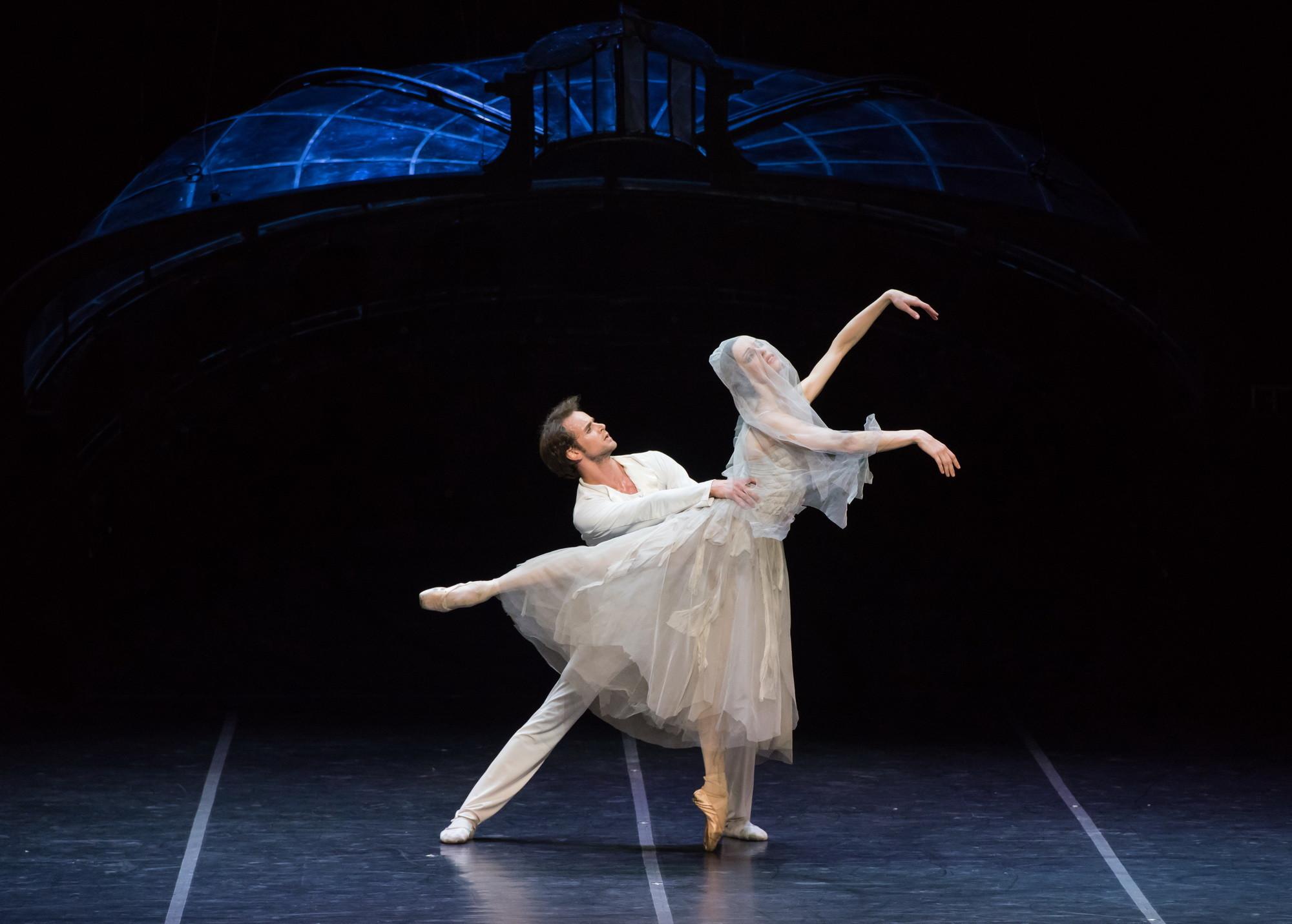 Oleg Gabyshev as Partner, unable to save Abashova's Ballerina.