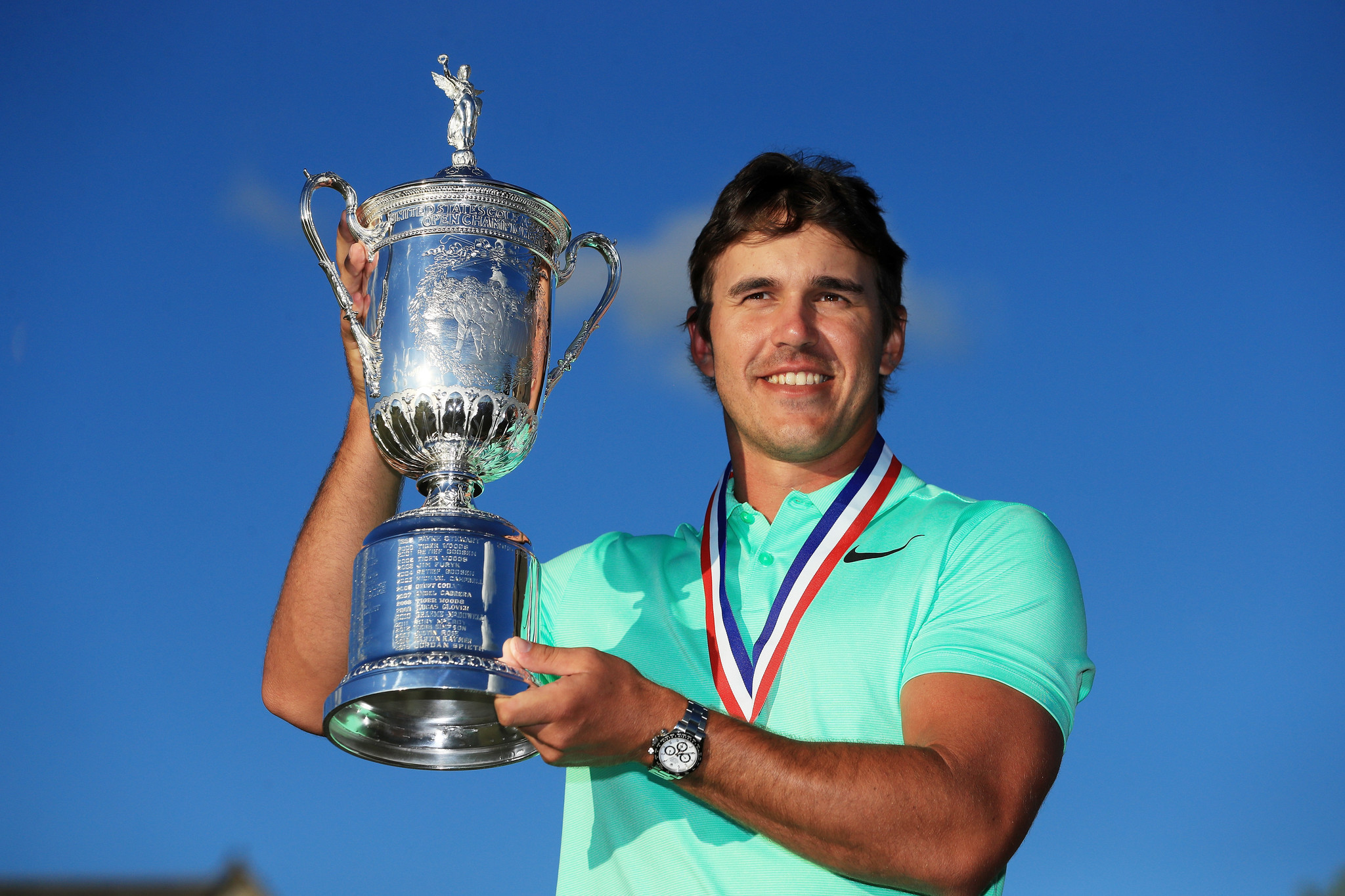 Brooks Koepka surges late to win U.S. Open, first major ...