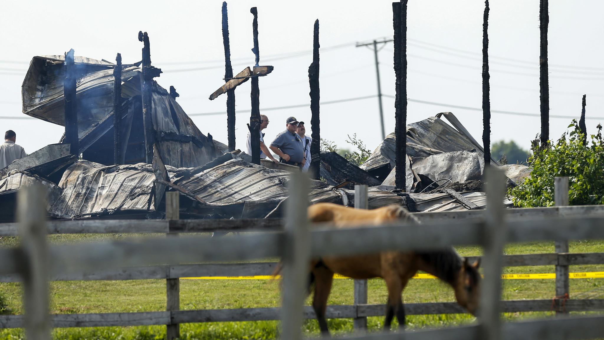 18 Horses Die In Barn Fire Near Plainfield Chicago Tribune