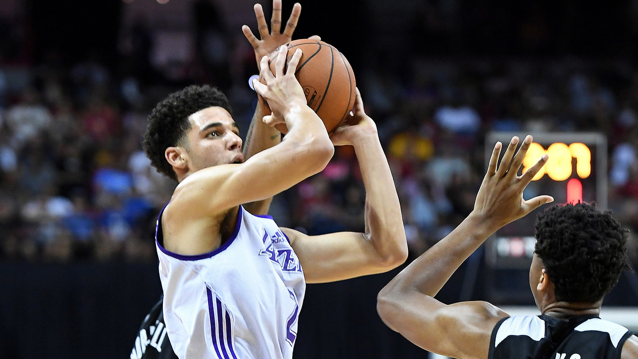 8e8774435bbb1 latimes.com Dad and son agree: Only way Lonzo Ball can go from debut is up