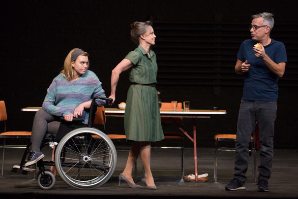 """Madison Ferris, an actress with muscular dystrophy, played Laura on Broadway in """"A Glass Menagerie"""" opposite Sally Field and Joe Mantello."""