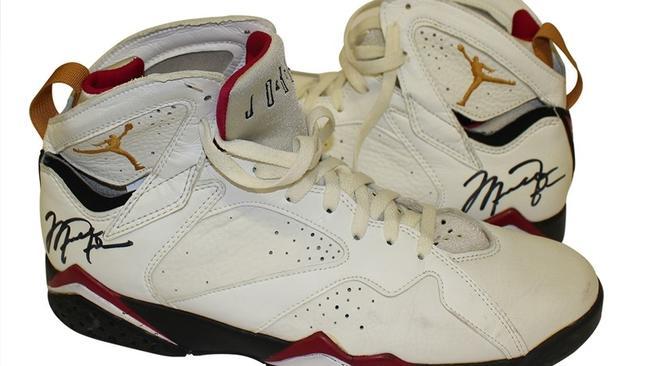 e0b65de4e954 Former Gatorade exec auctioning off Michael Jordan items - Chicago ...