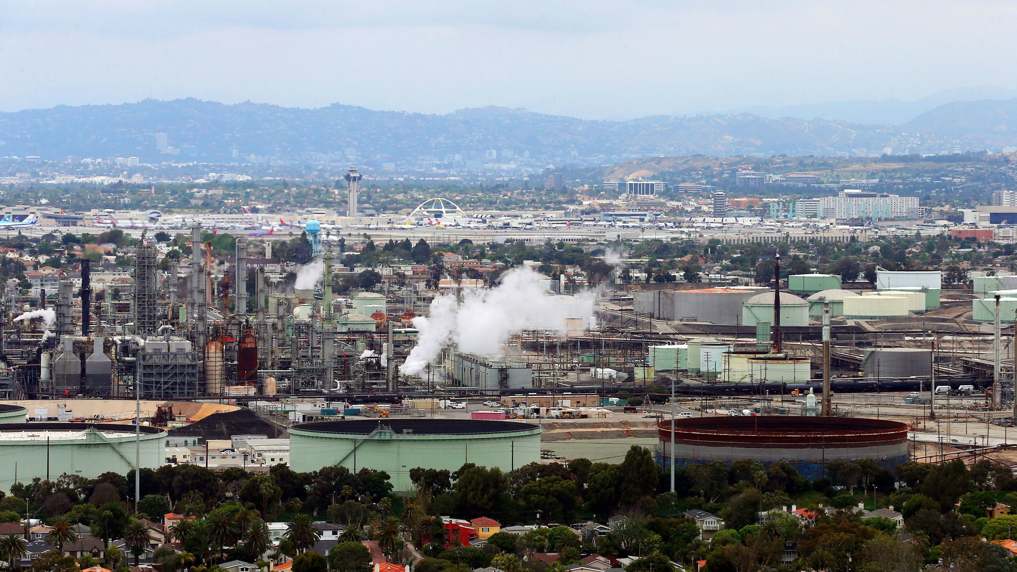 An oil refinery in El Segundo, one of many facilities that must comply with California's cap-and-trade program.
