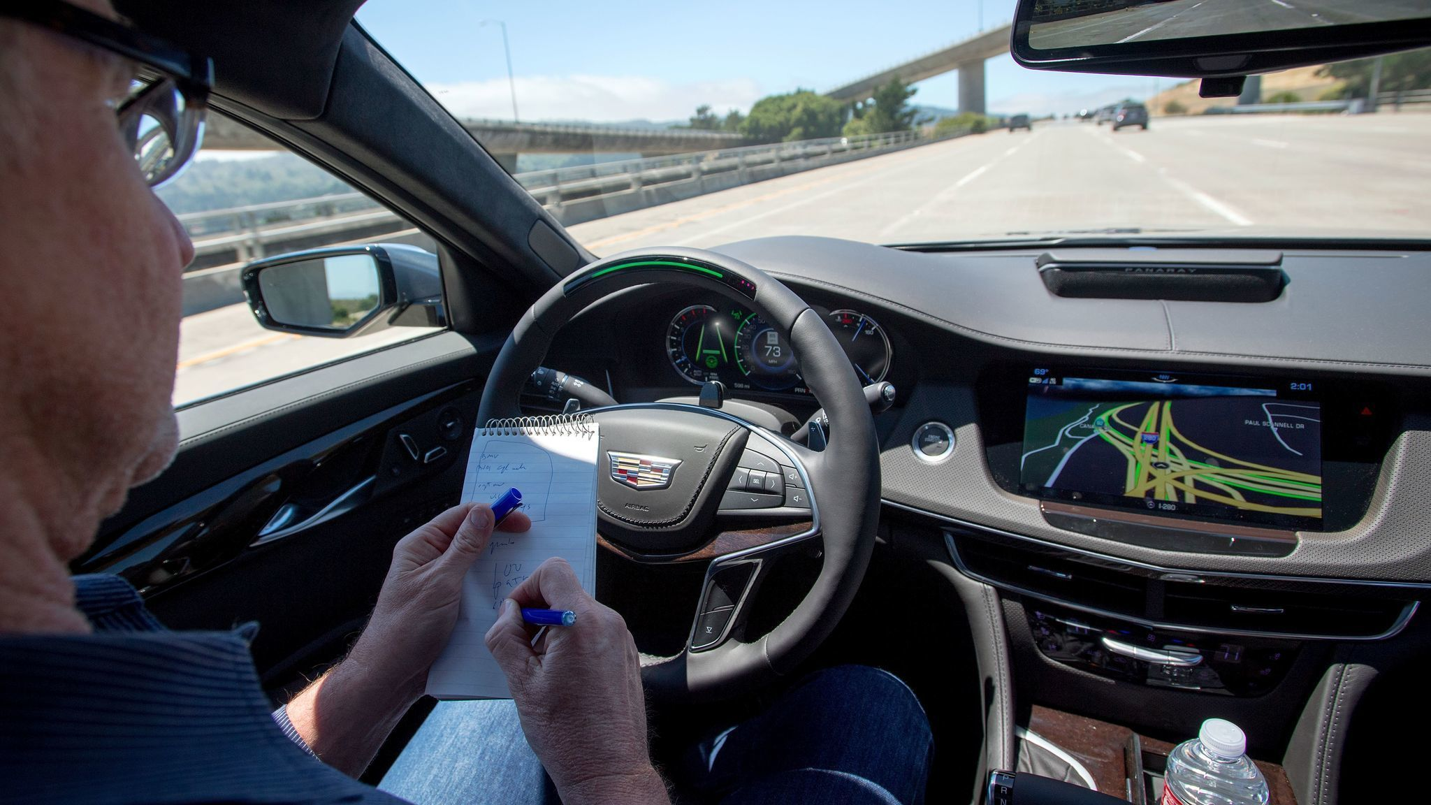 Cadillac Super Cruise hands-free driving software takes on ...