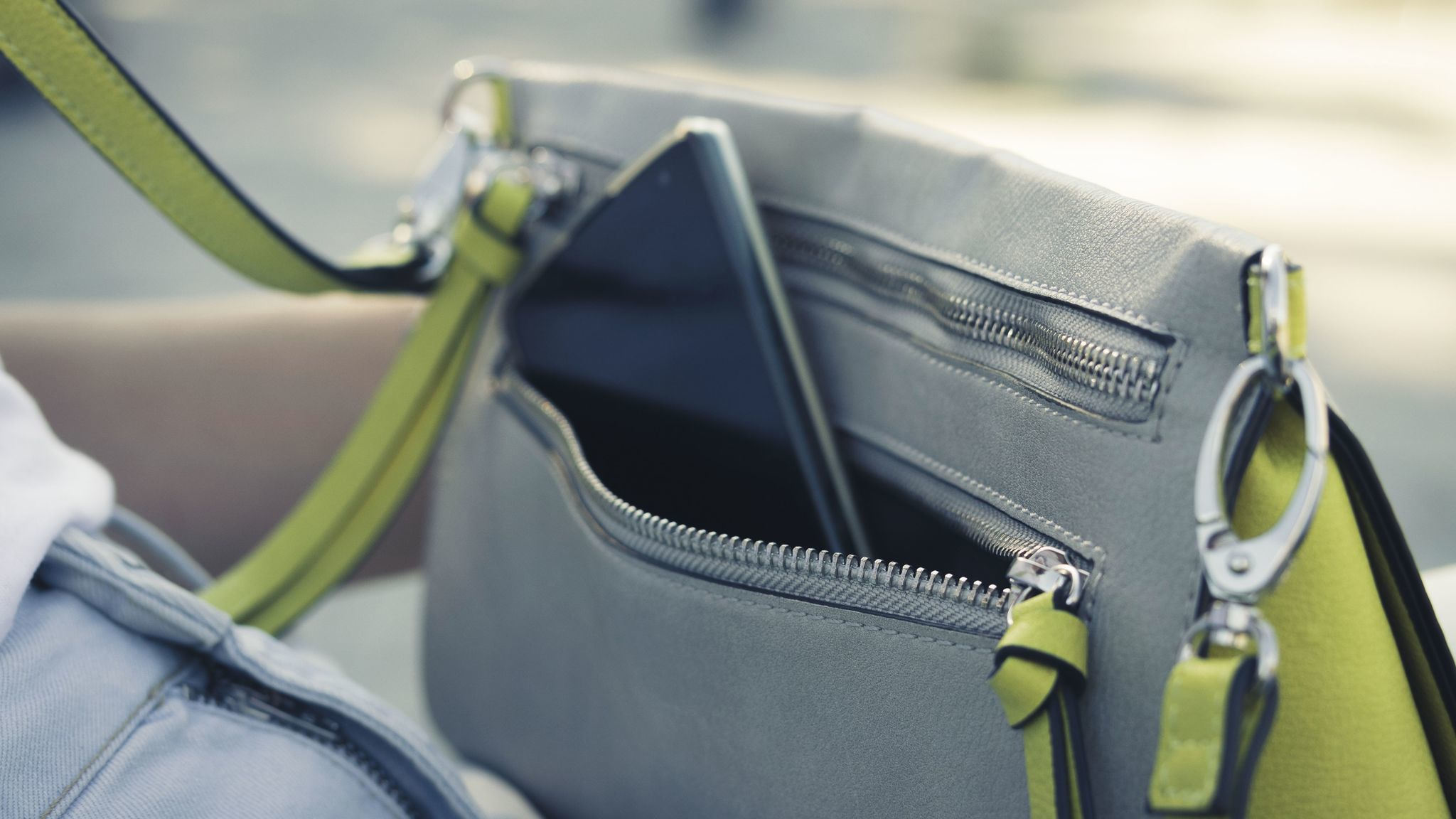 5eba9ea538cc What should you do if your purse is stolen or goes missing  - Chicago  Tribune