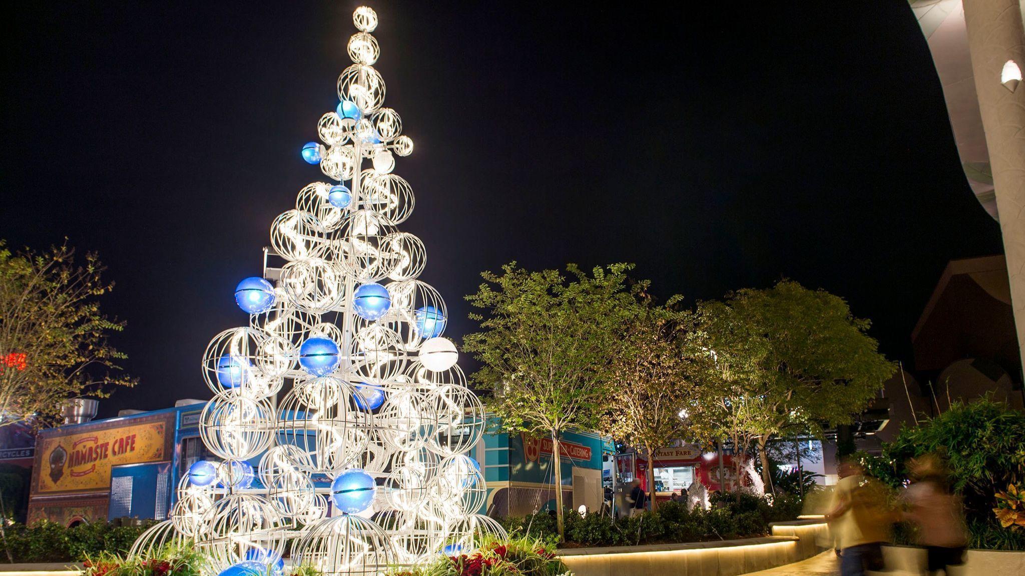 summer santa alert disney springs plans christmas festivities in july orlando sentinel
