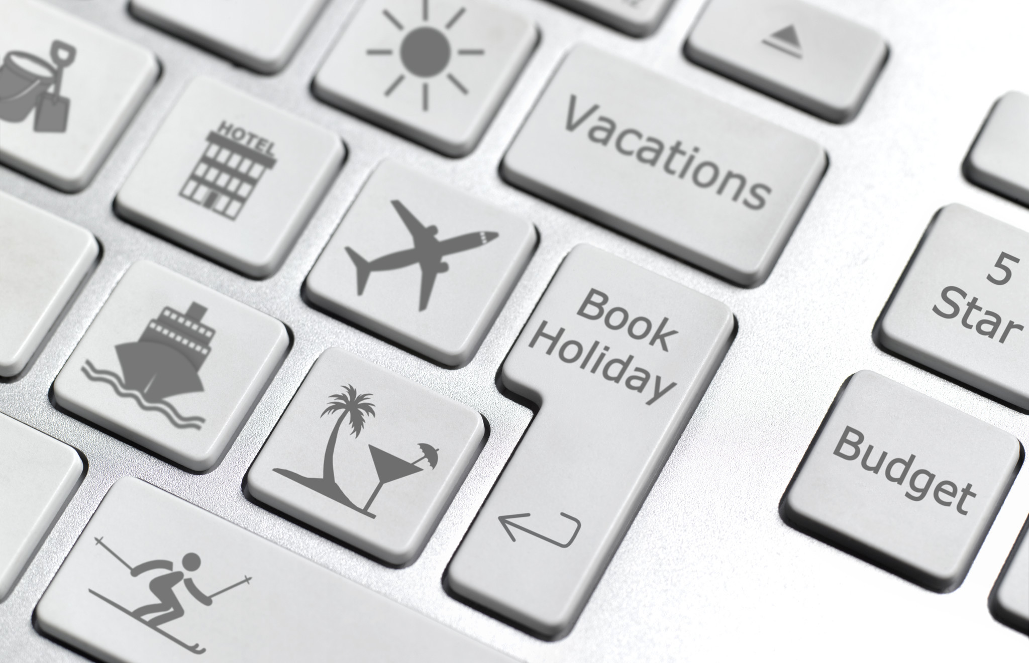 7 secrets to booking cheaper flights, according to travel experts