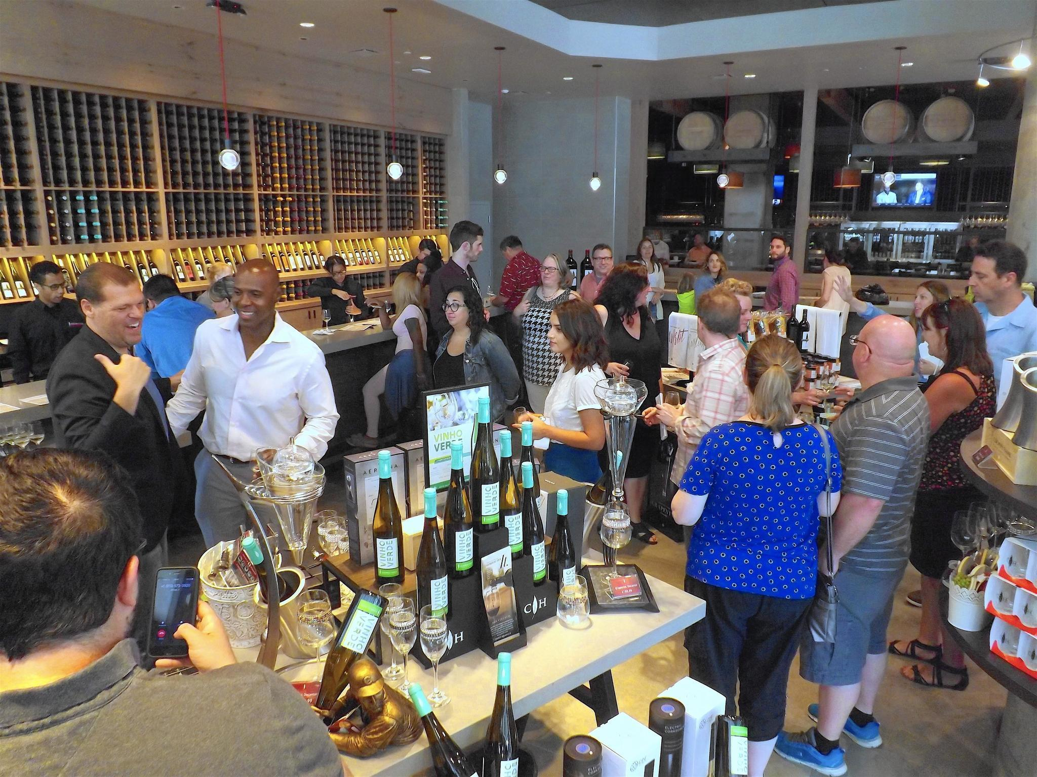 Cooper S Hawk Winery Opening In Oak Park Oak Leaves