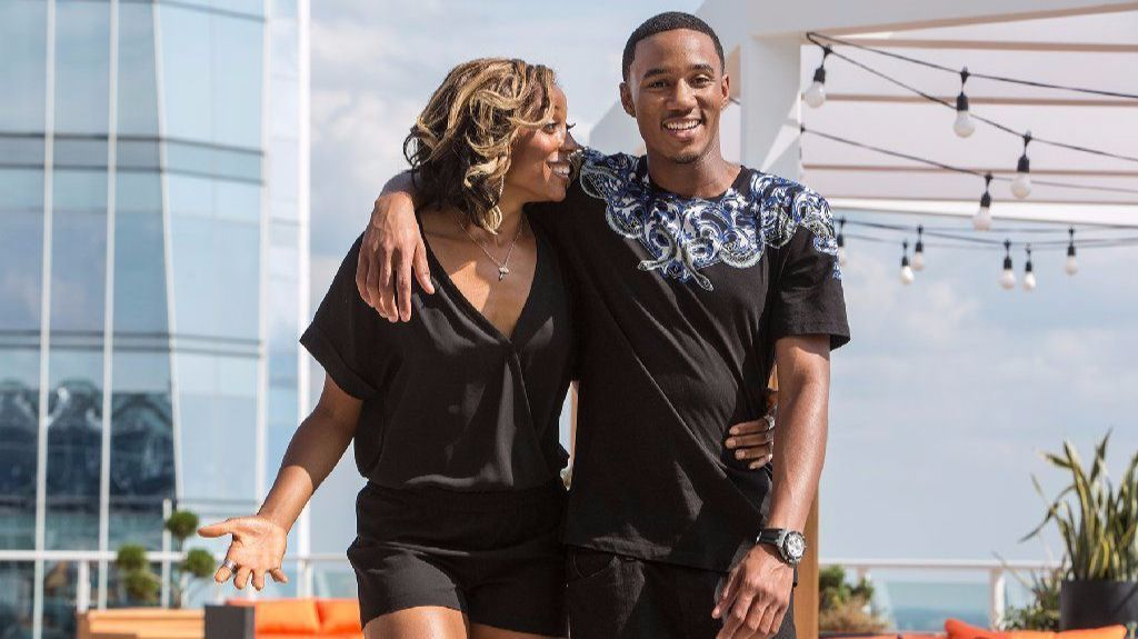 M-Chuck (Erica Ash) and Cam (Jessie Usher) in the comedy series
