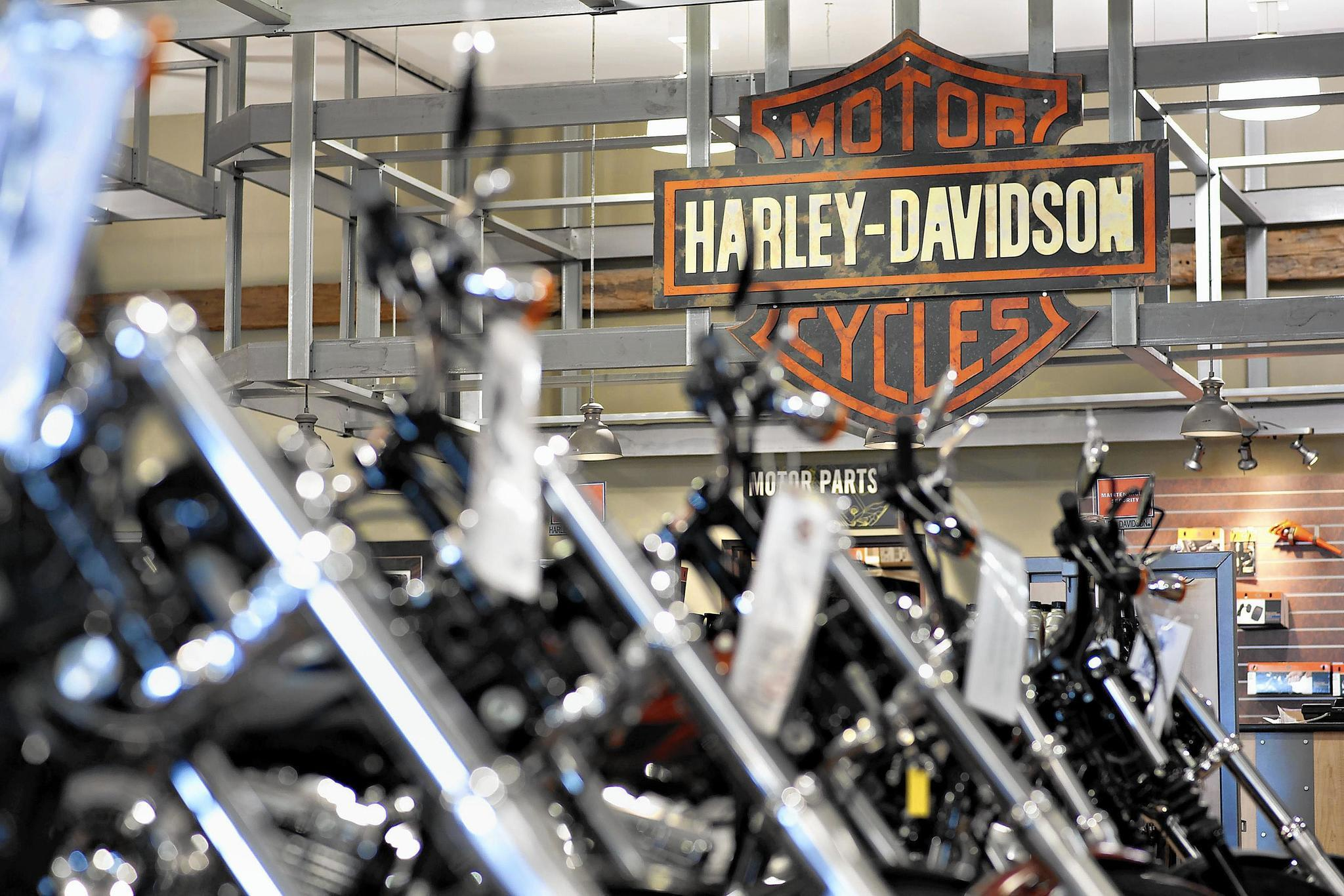 Car Dealerships In Ct >> Harley-Davidson on a bumpy ride with motorcycle-averse millennials - Chicago Tribune