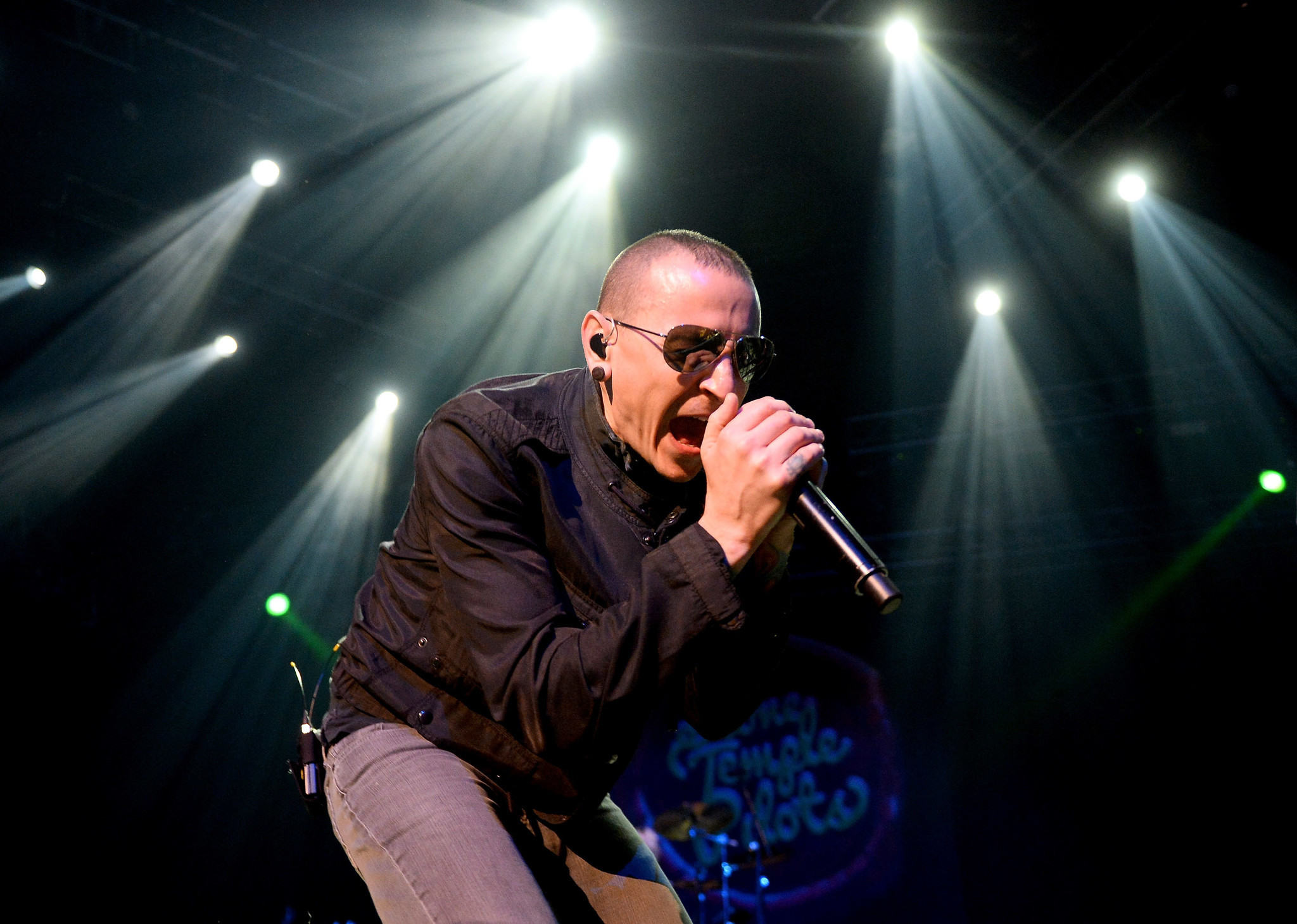 Linkin Park Frontman Chester Bennington Dies At 41