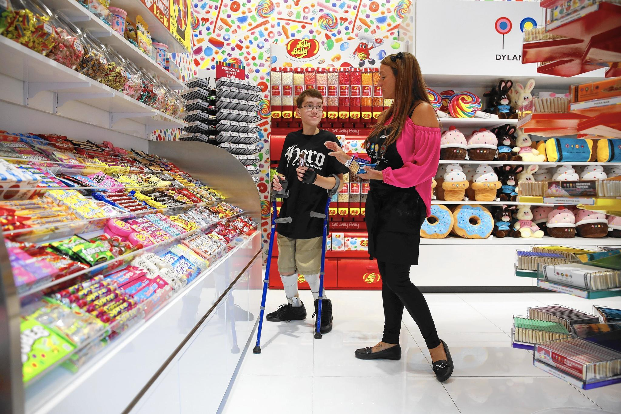 Glenview appliance giant Abt opens Dylan's Candy Bar ...