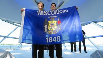 Wisconsin's aglow with Foxconn announcement, but can Illinois share the spotlight?