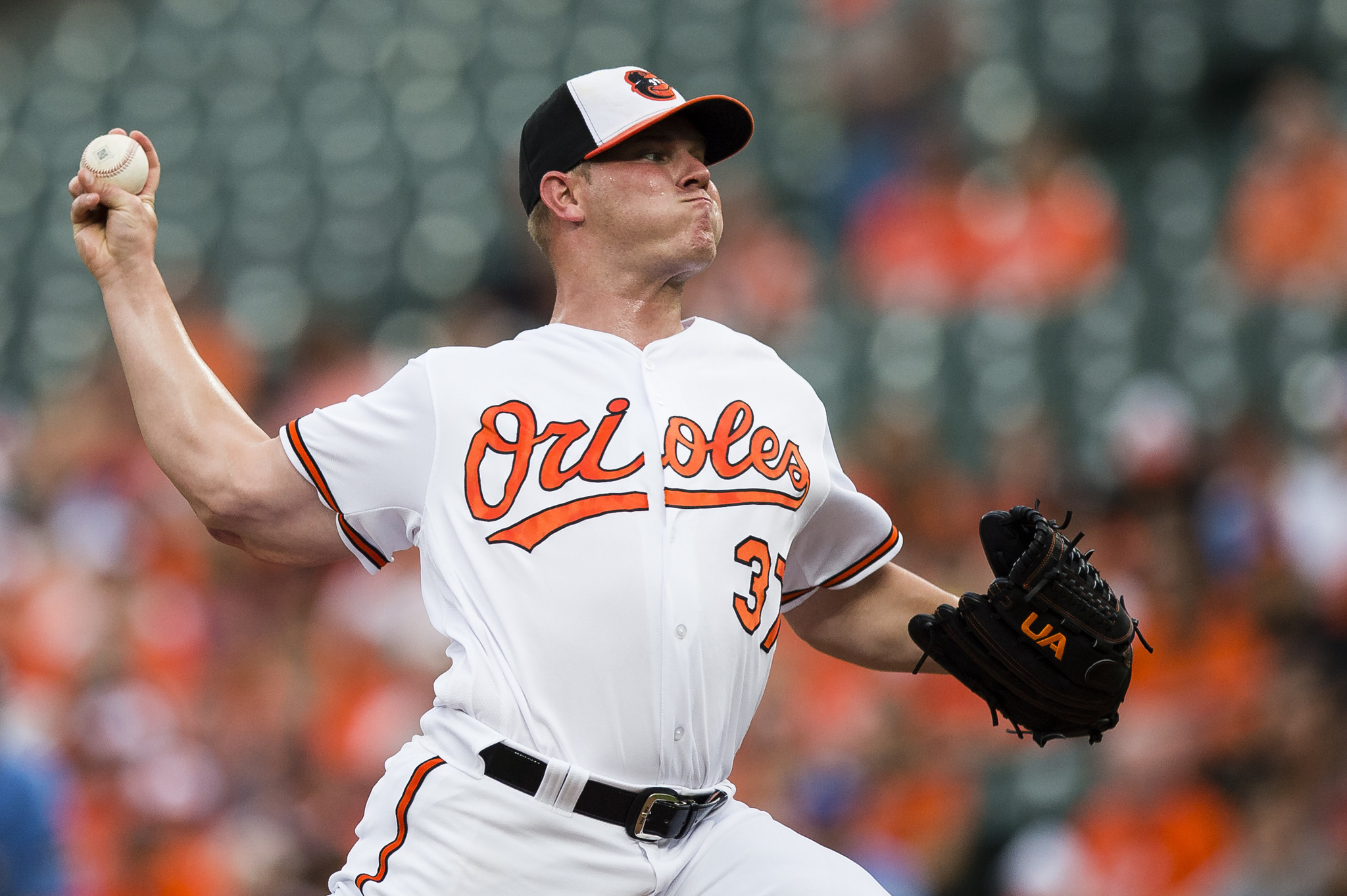 Bundy pitches a gem in 7-2 win as Orioles take first two games from Royals - Baltimore Sun