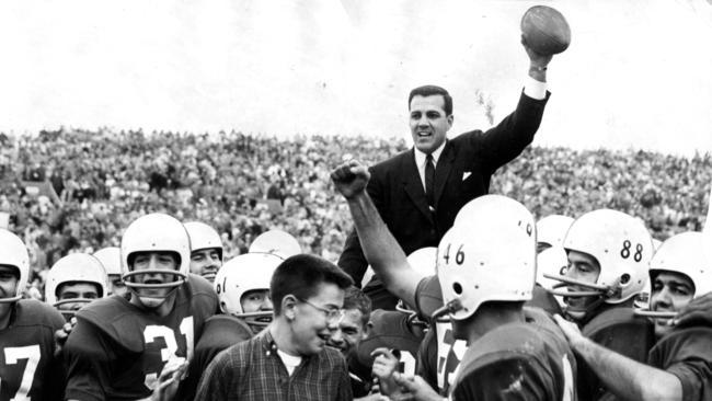 7f0c6ada10b Ara Parseghian. Photos of the former Notre Dame and Northwestern football  coach.