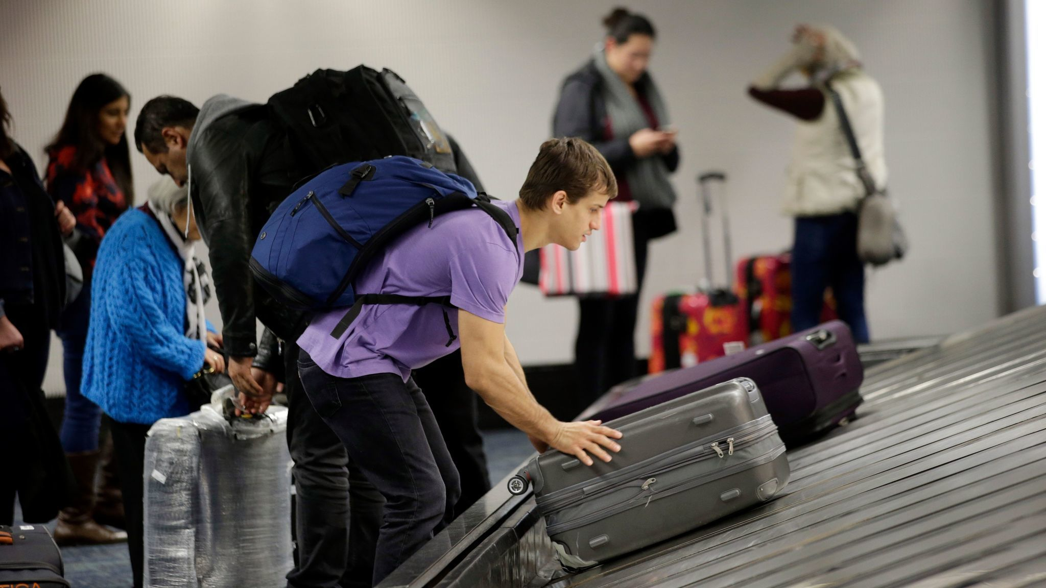 American Airlines Will Alert Passengers When Bags Get Lost