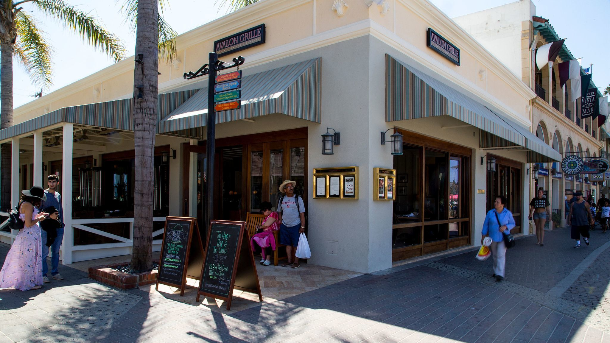 The trendy Avalon Grille in offers a new Sunday brunch from 9 a.m. to 3 p.m.
