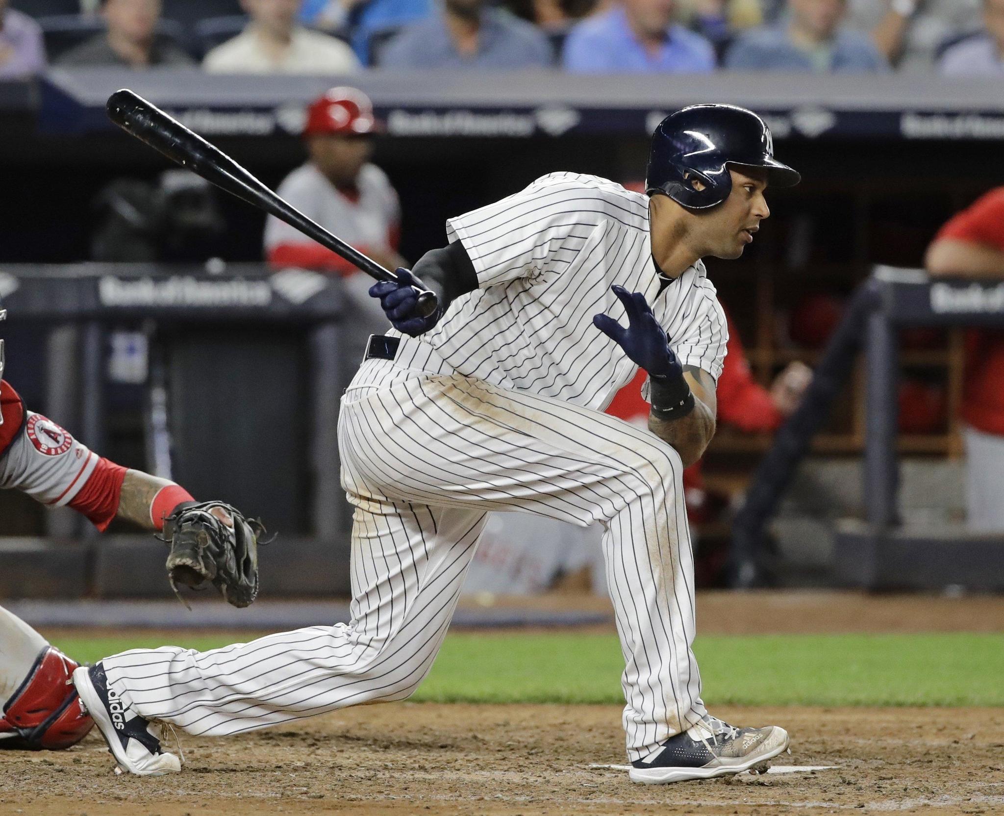 Yankees Sending Aaron Hicks To Rehab In Hartford Tuesday