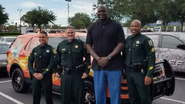 Shaquille O'Neal stops by the Orange County Sheriff's ...