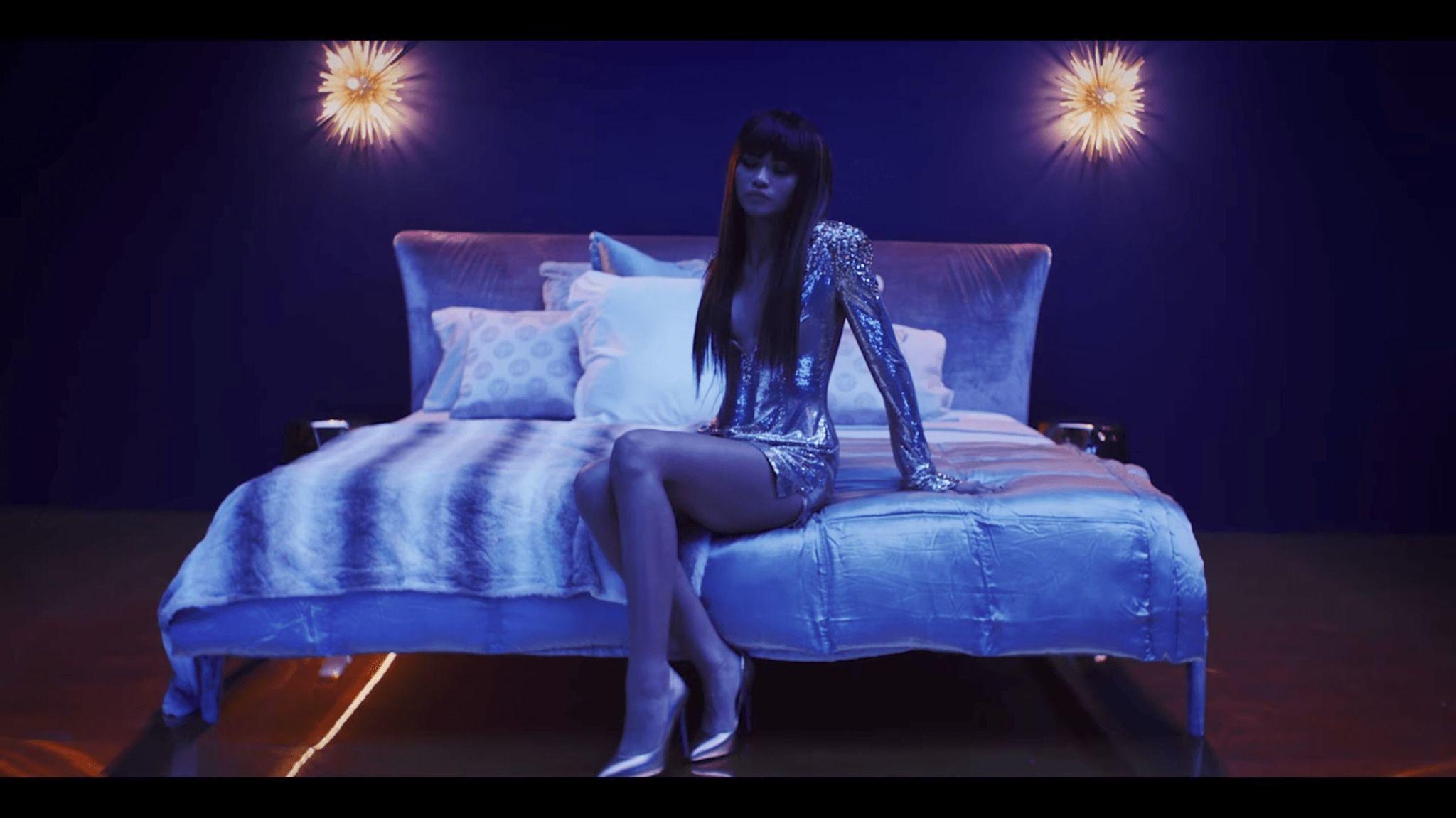 Zendaya Bruno Mars Wear Custom Versace In Versace On The