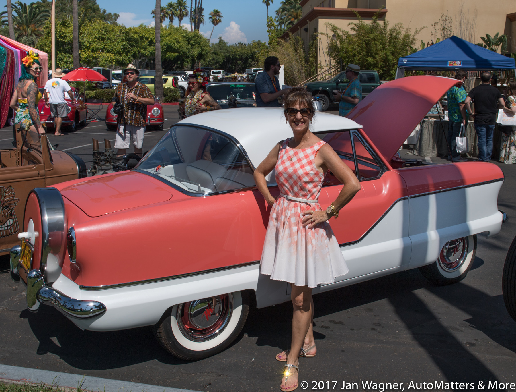 Two beauties at the Tiki Oasis car show.