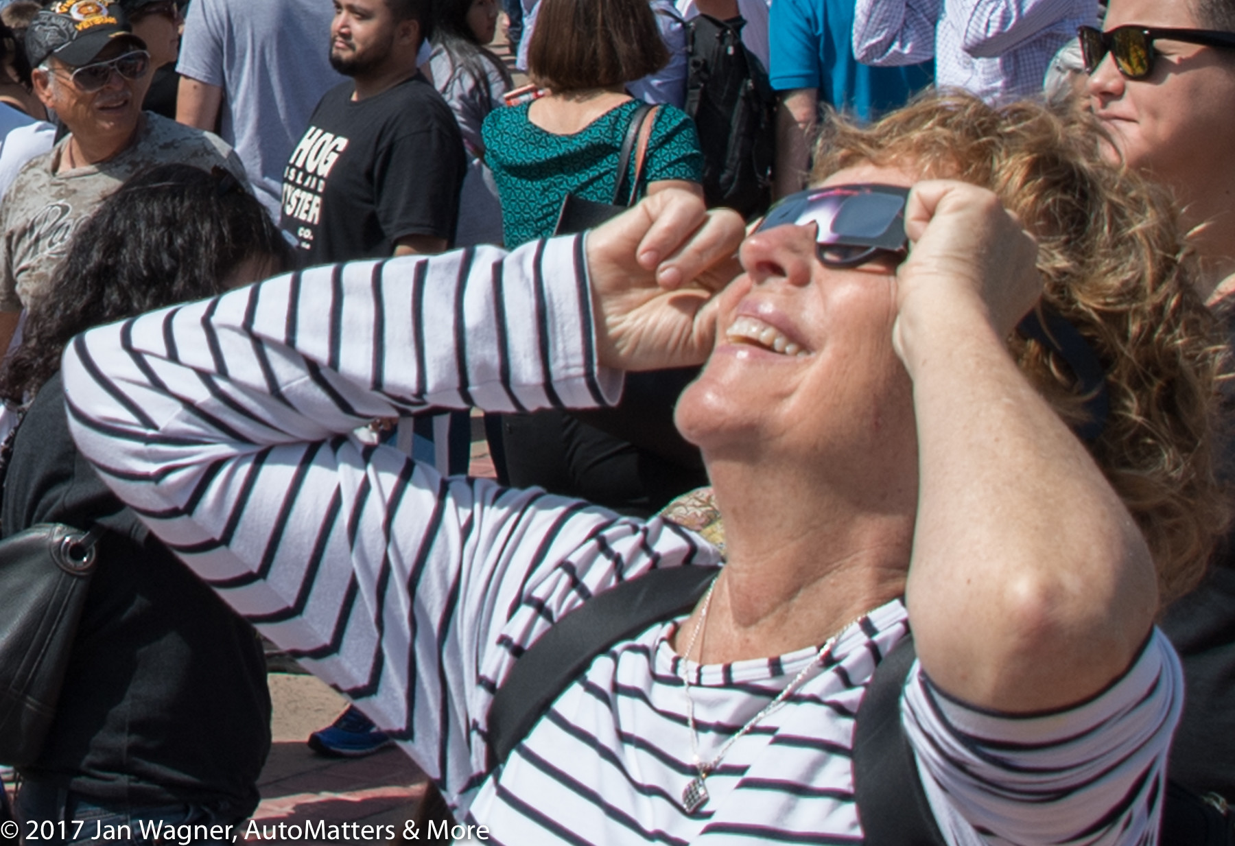 Enjoying the spectacle of the eclipse