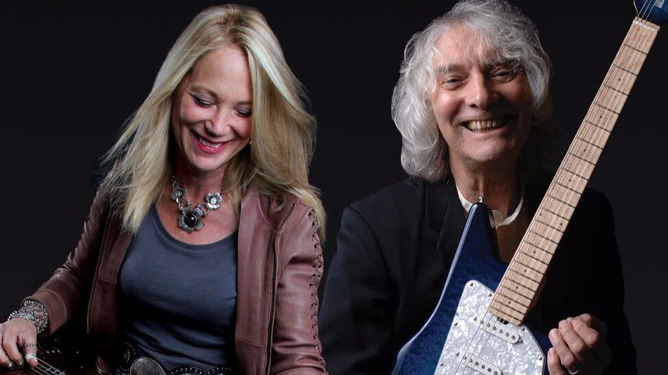 albert lee and cindy cashdollar a pair of guitar heroes with extra pluck the san diego union. Black Bedroom Furniture Sets. Home Design Ideas