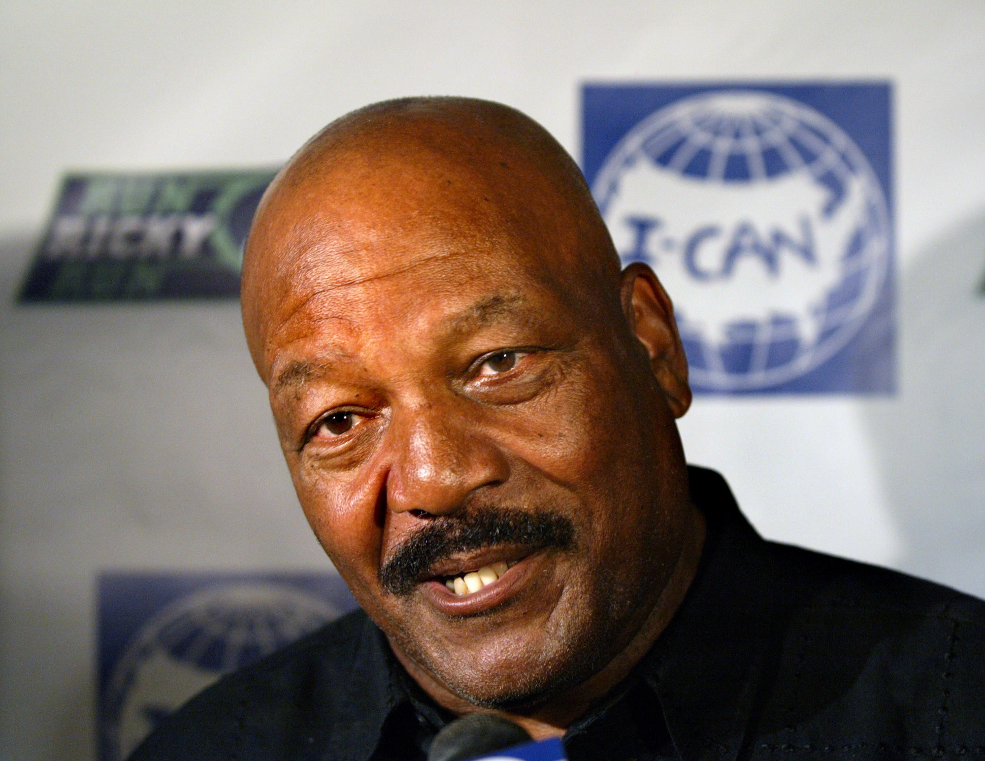 'I don't desecrate my flag:' Jim Brown thinks Colin ...