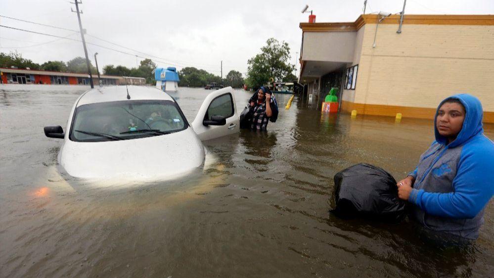 Houston Car Sales >> AutoNation to 'scrap' thousands of vehicles damaged by Hurricane Harvey's floods - Sun Sentinel