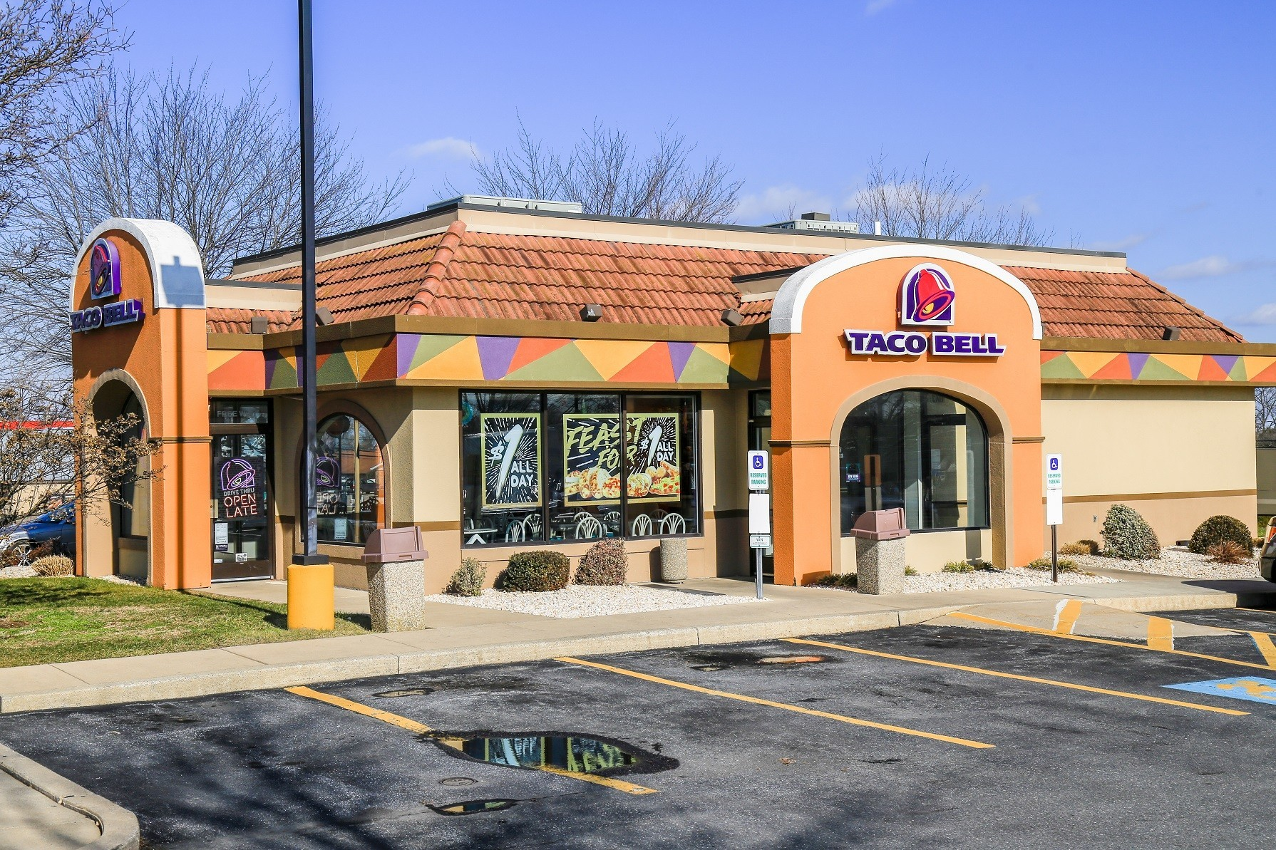 You can now make reservations at Taco Bell's Test Kitchen ...