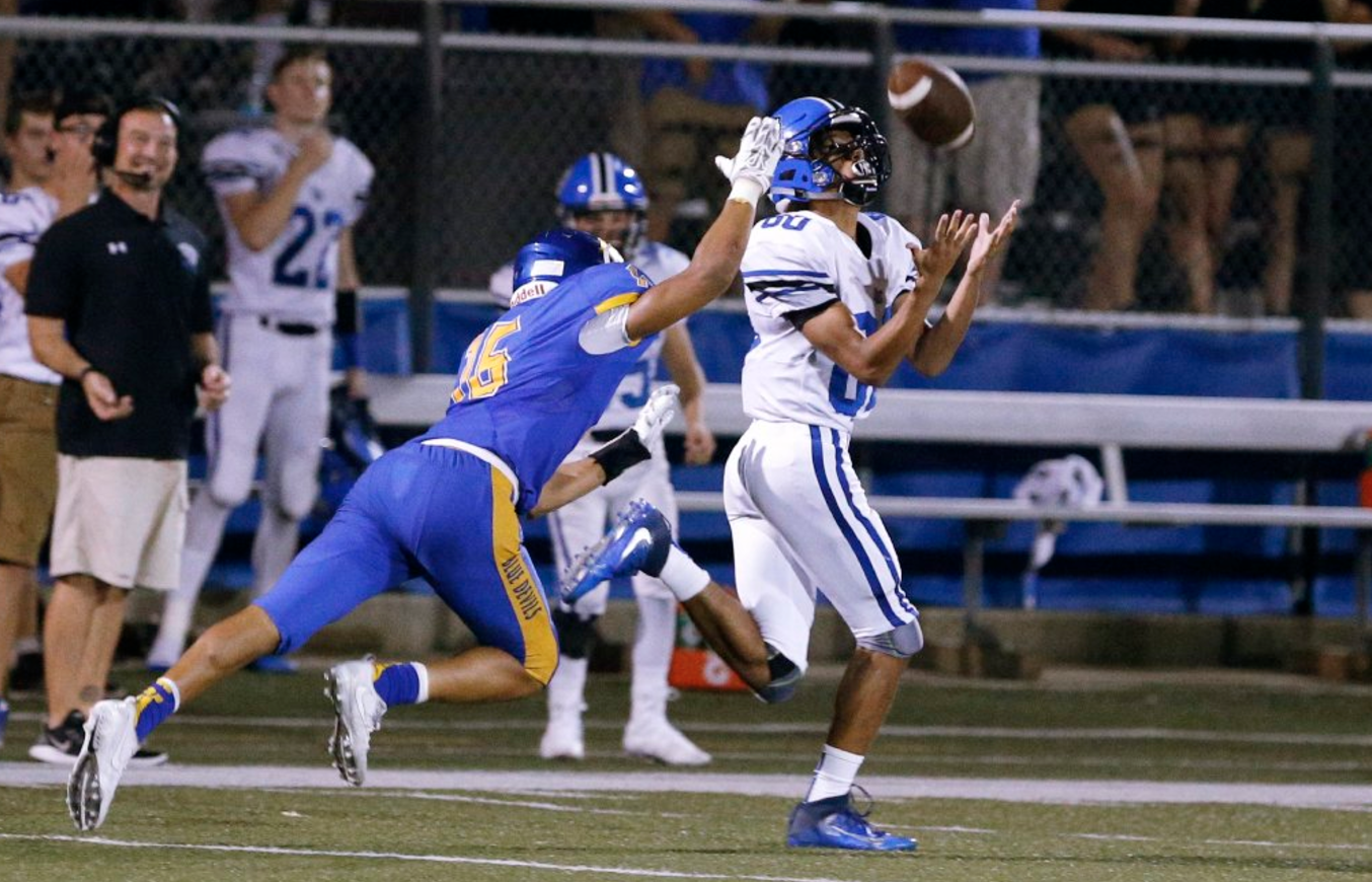 Lake Zurich Football >> Vote: Top plays of the high school football weekend - Chicago Tribune