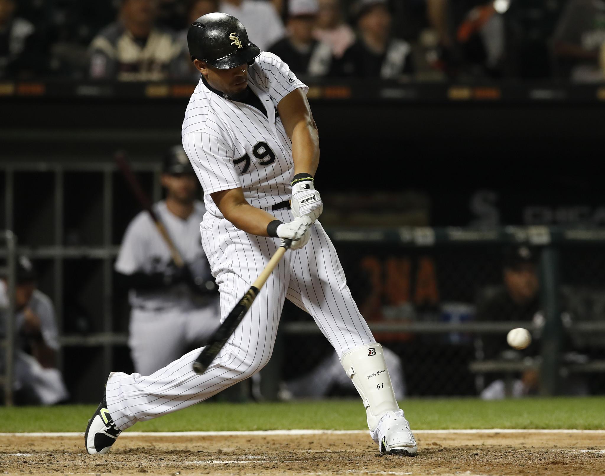 b7a2c2e8d Jose Abreu reaches rare milestone for White Sox in 8-2 loss to Royals -  Chicago Tribune