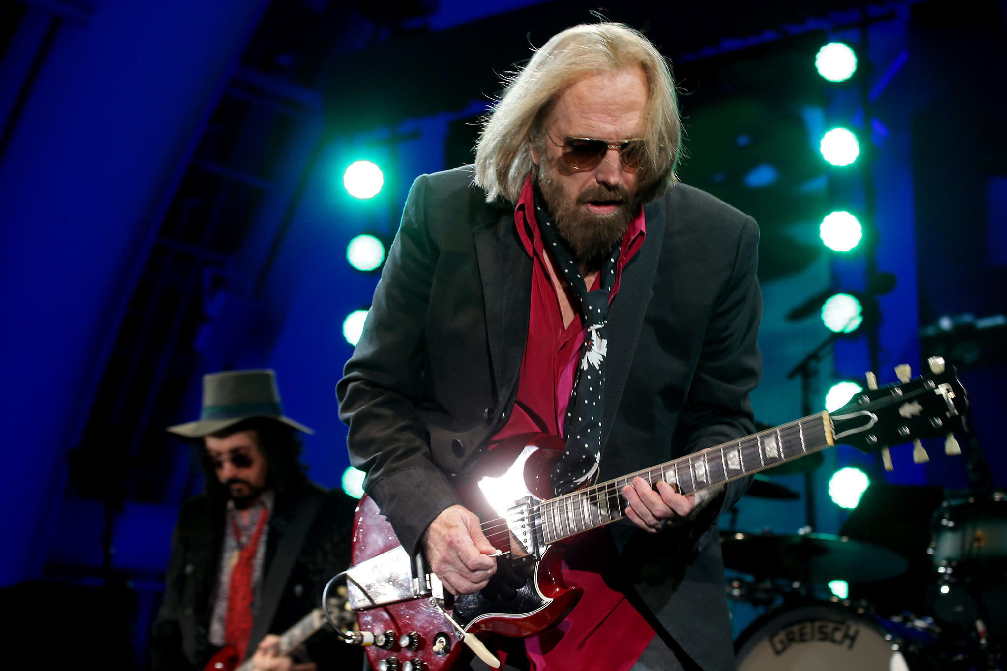 update tom petty has died after being hospitalized for cardiac arrest la times. Black Bedroom Furniture Sets. Home Design Ideas