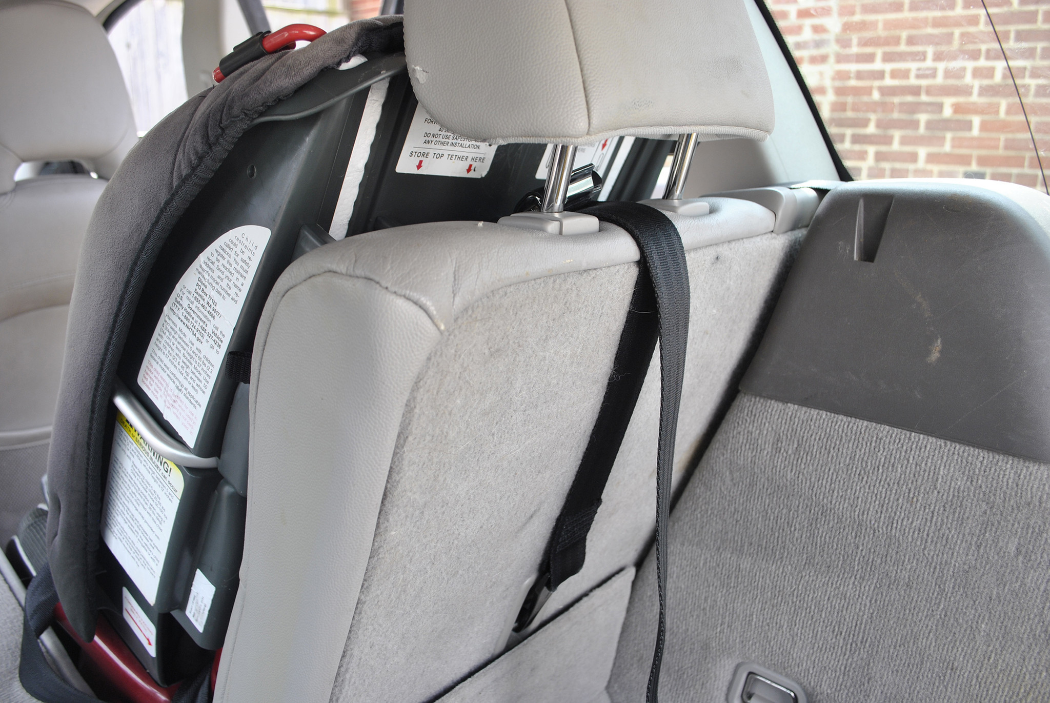 Most Parents Not Using Car Seat Tether Study Chicago Tribune