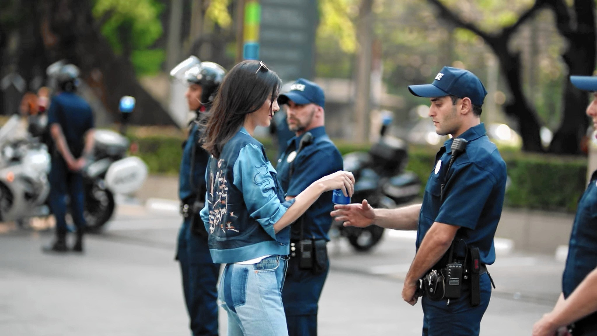 9b0cb00dfb3 Kendall Jenner cries over Pepsi ad backlash in  Keeping Up With the  Kardashians  premiere - Chicago Tribune